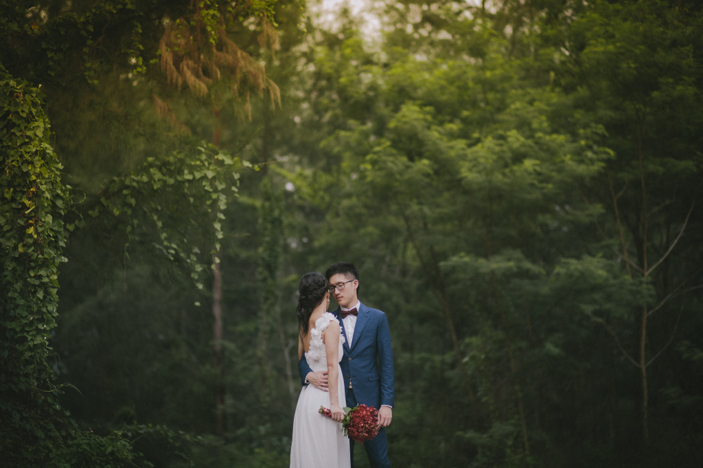 Alternative fine art wedding photographer in Singapore